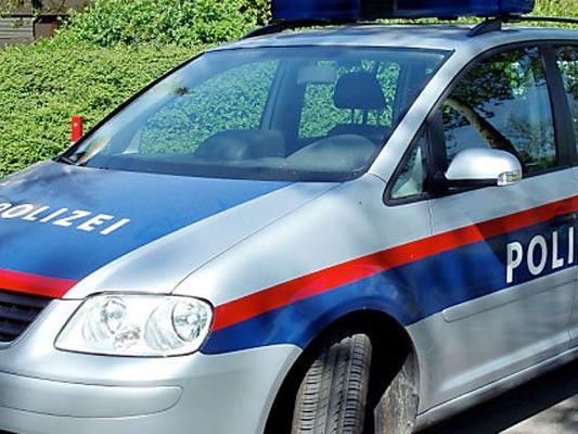 19-Jähriger wurde im Bezirk Gänserndorf seines Autos beraubt.
