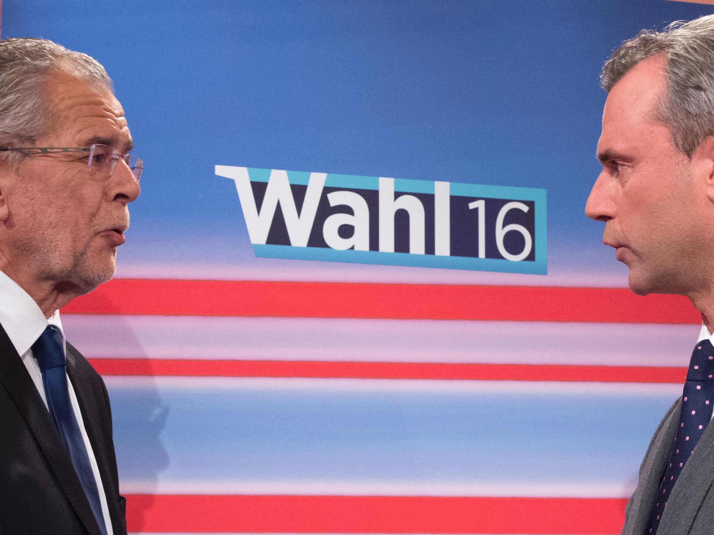Alexander Van der Bellen und Norbert Hofer stehen sich Anfang Dezember erneut gegenüber.