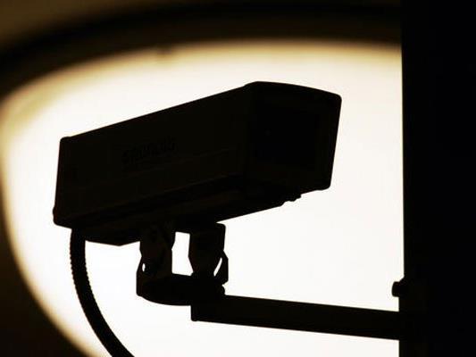 Die beiden Einbrecher wurden auf der Kamera aufgezeichnet.