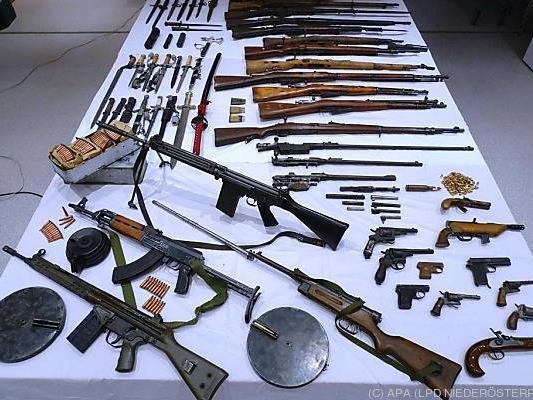 Gegen den 48-Jährigen besteht ein aufrechtes Waffenverbot