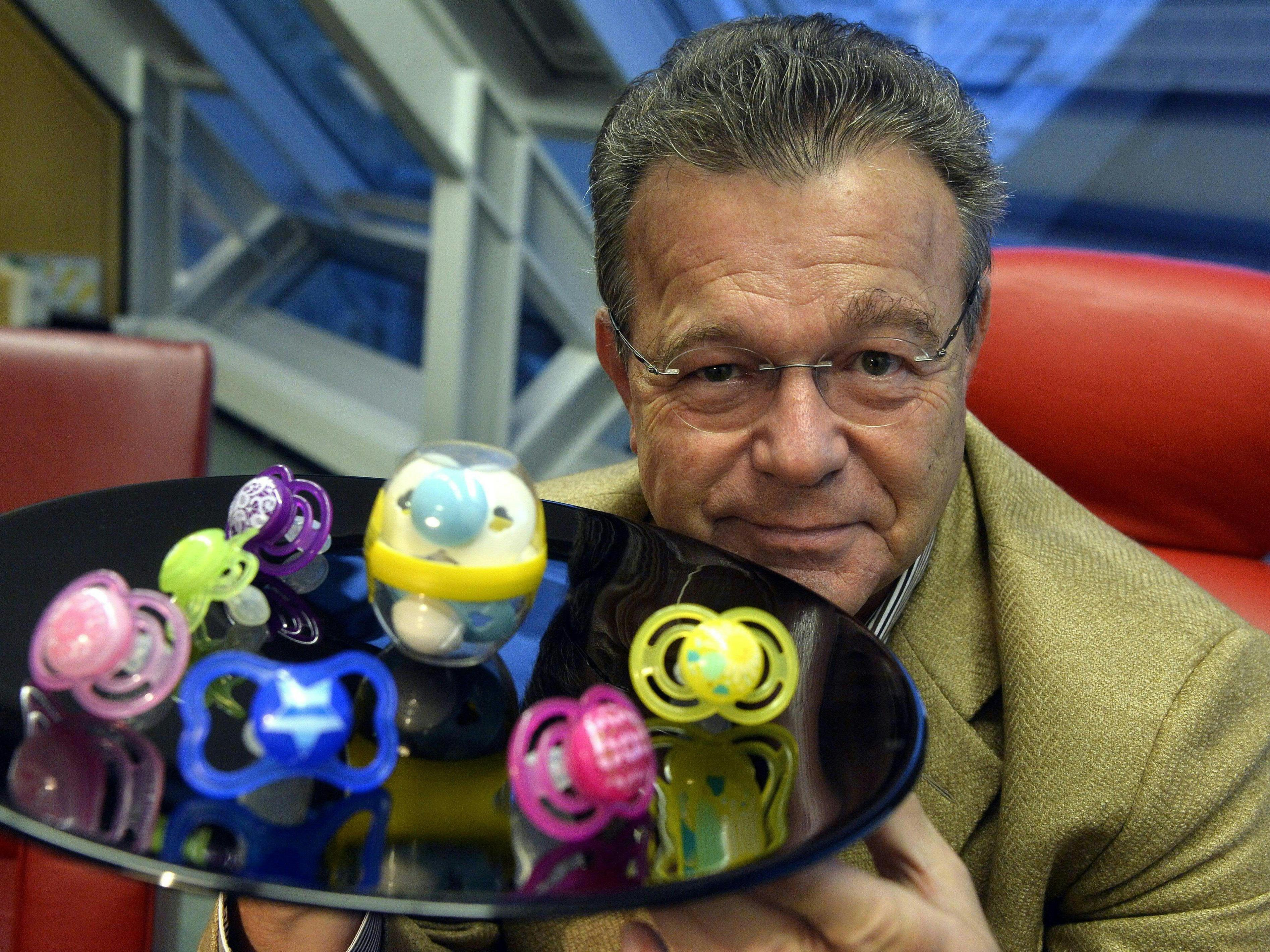 Peter Röhrig, Gründer und Geschäftsführer von MAM Babyartikel, beim Interview