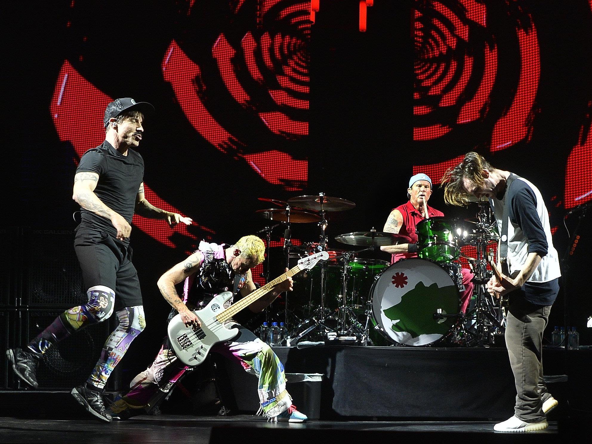 Die Red Hot Chili Peppers rockten die Wiener Stadthalle.
