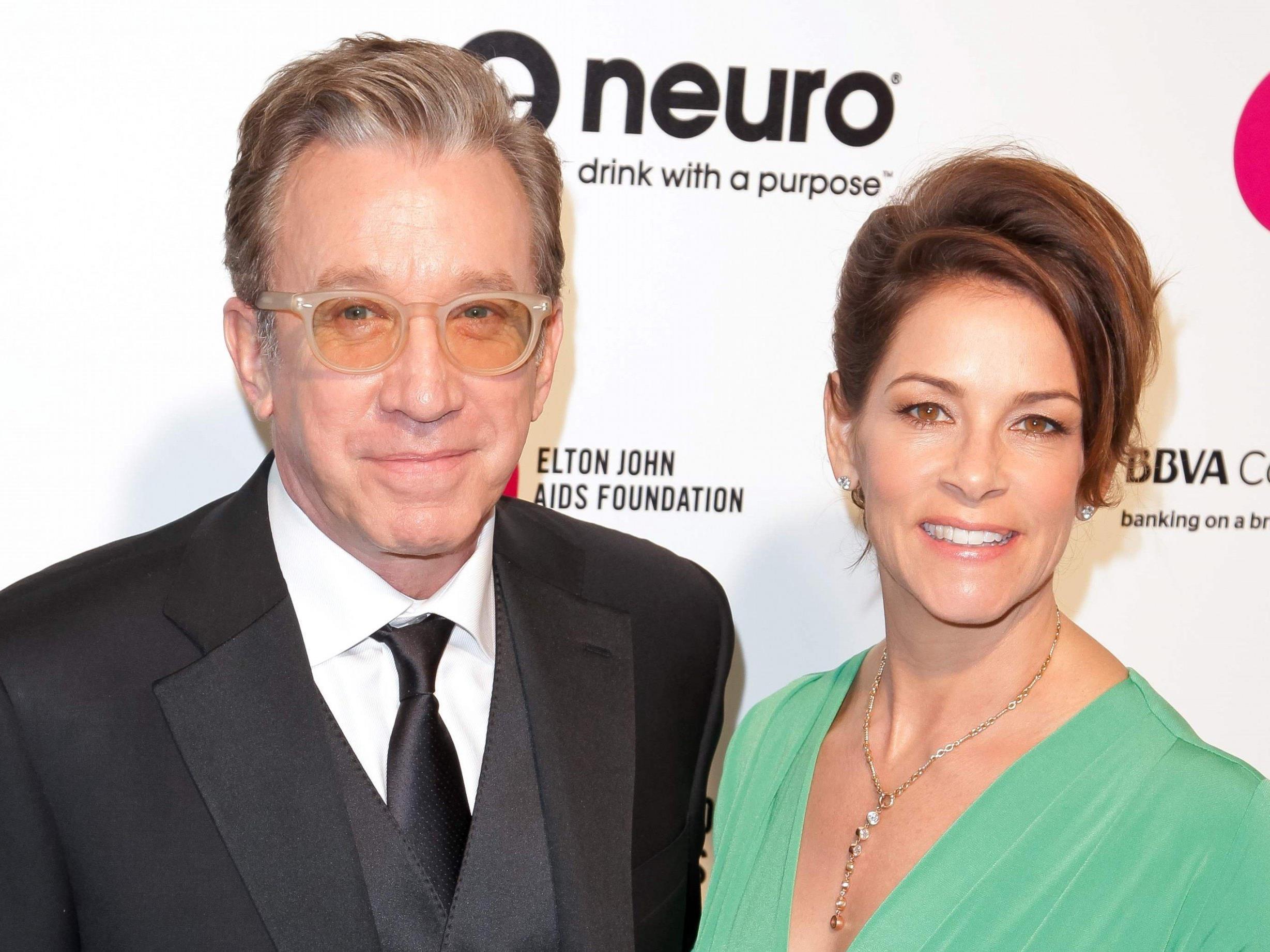 Tim Allen und seine Frau auf dem Red Carpet.