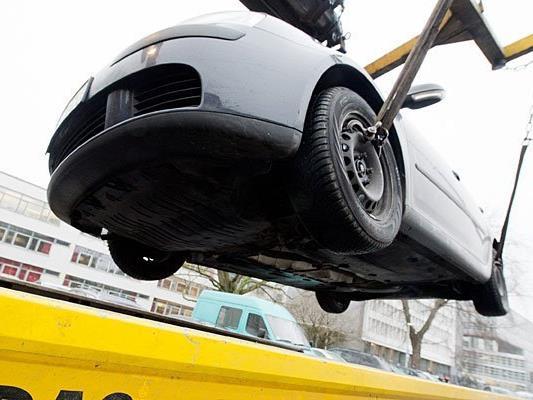 Wenn der Abschleppwagen kommt, wird es für Falschparker teuer