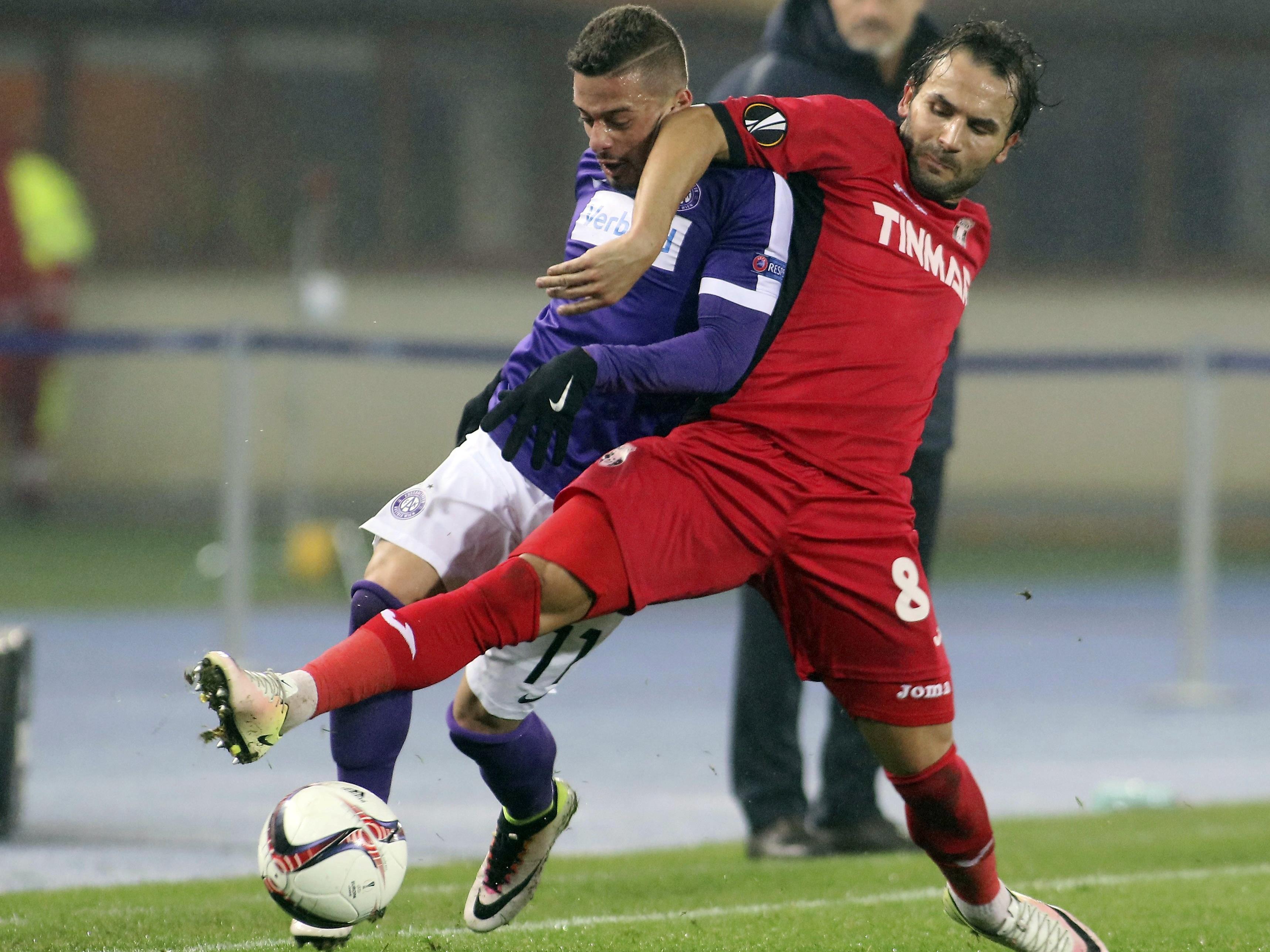 Die Austria und Lucas Venuto (l.) müssen um den Aufstieg zittern.