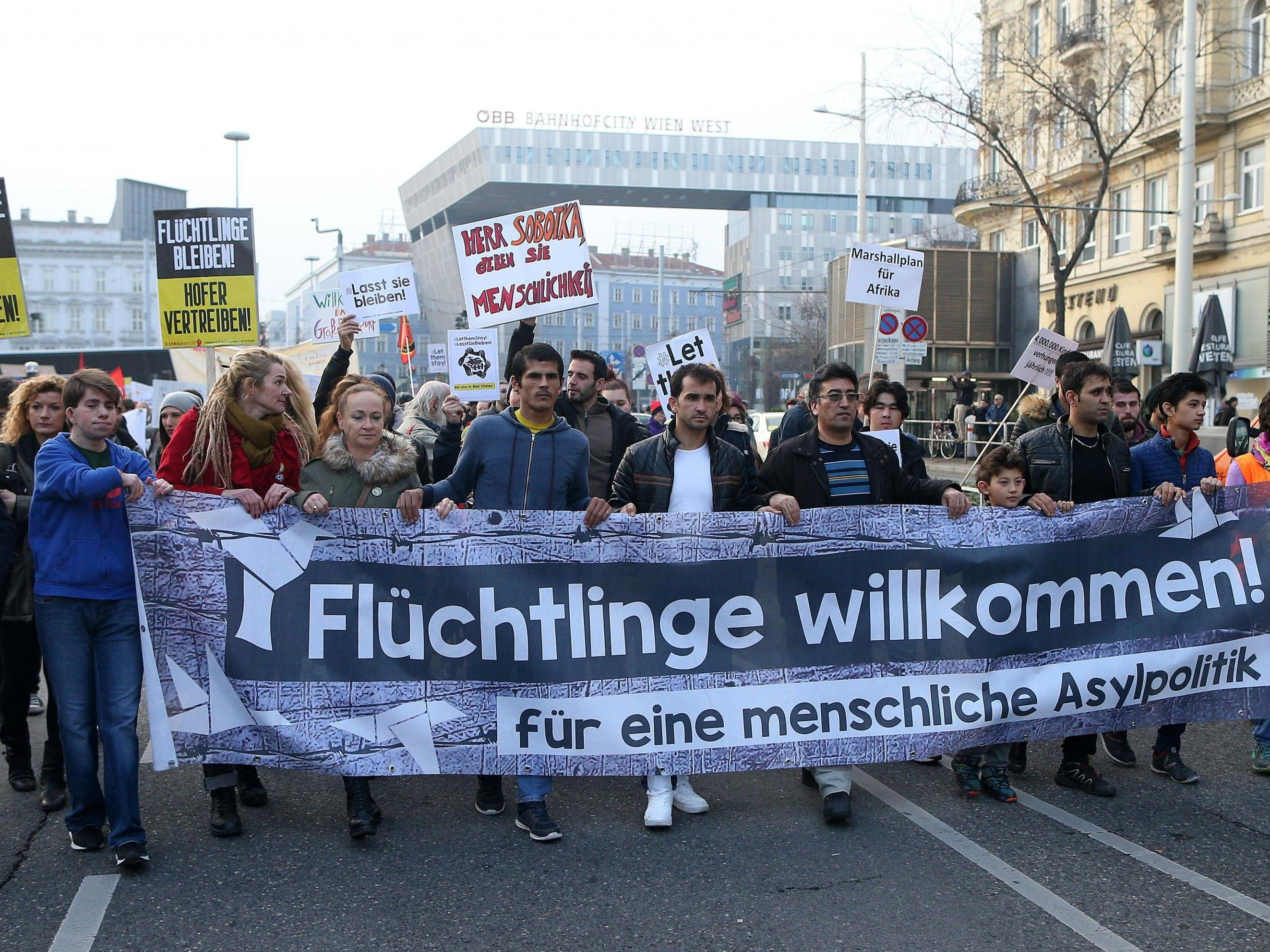 Am ersten Adventssamstag findet eine Demo gegen Abschiebung in Wien statt