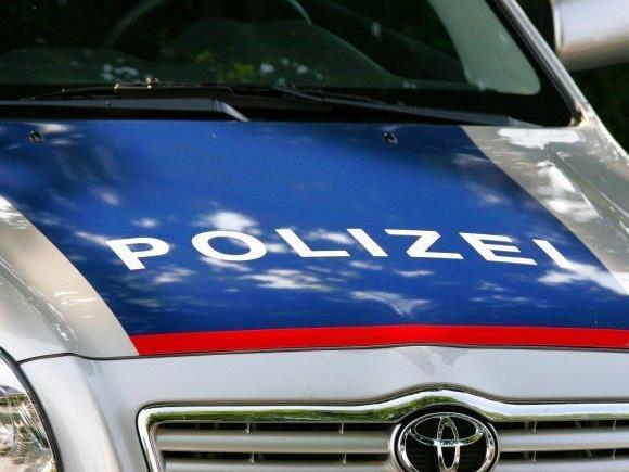 Ein Jugendlicher bedrohte zwei Kinder mit einer Paintball-Pistole