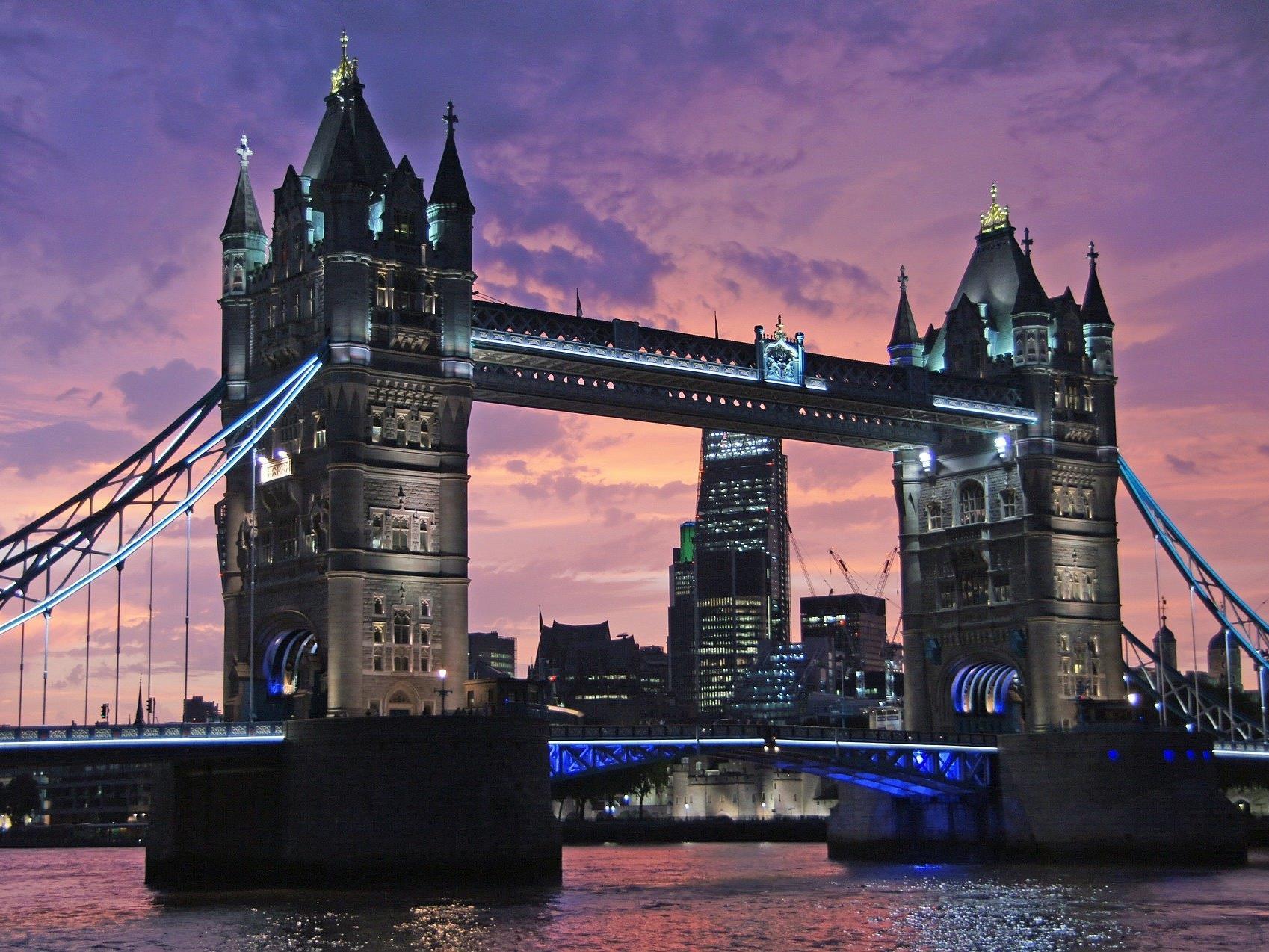 Die Tower Bridge in London.