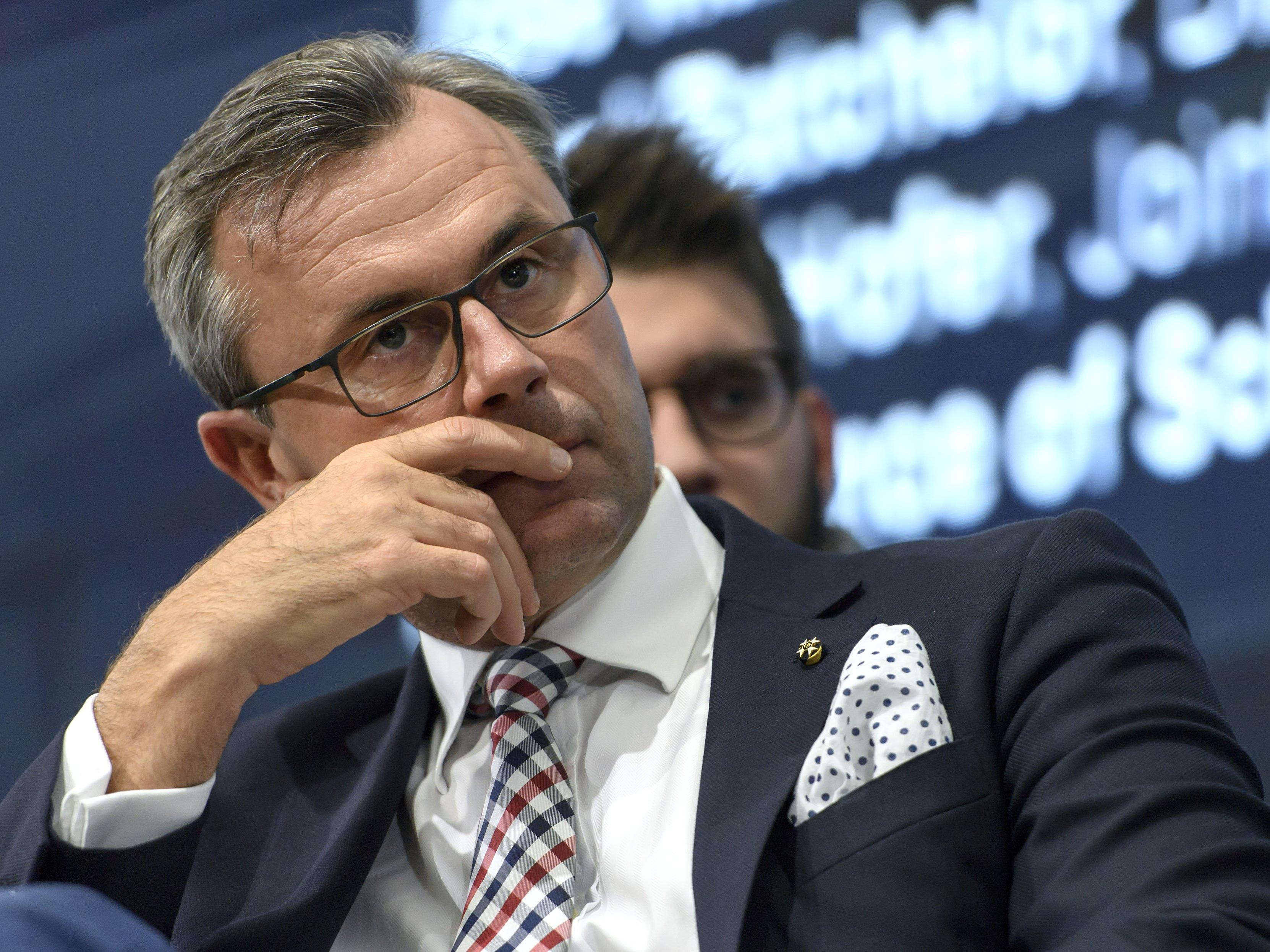 Im Falle eines Wahlsieges will Norbert Hofer als Präsident zwischen den USA und Russland in Wien vermitteln