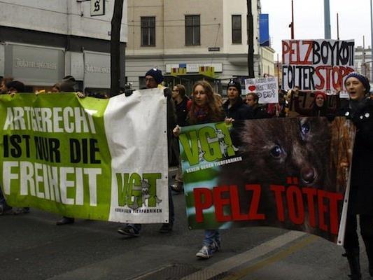 Der VGT demonstriert erneut gegen Pelze und Tierleid