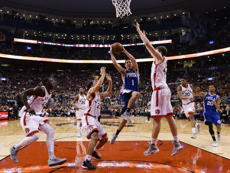 Jakob Pöltl im Einsatz gegen die Philadelphia 76ers