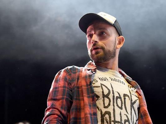 Der Sänger Christopher Seiler äußerte sich wütend in einem Video auf Facebook