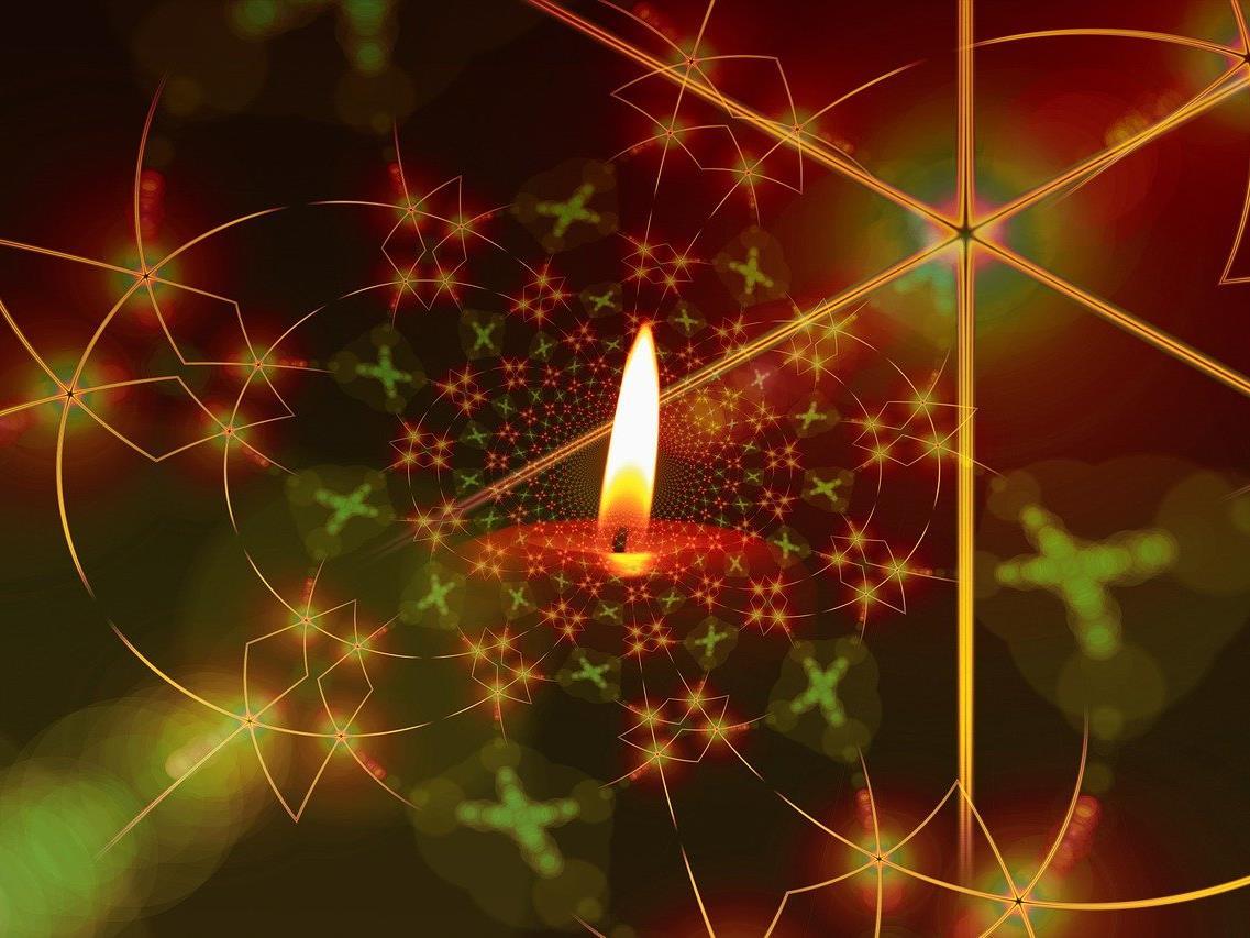 Am Sonntag wird die erste Kerze des Adventkranzes angezündet.