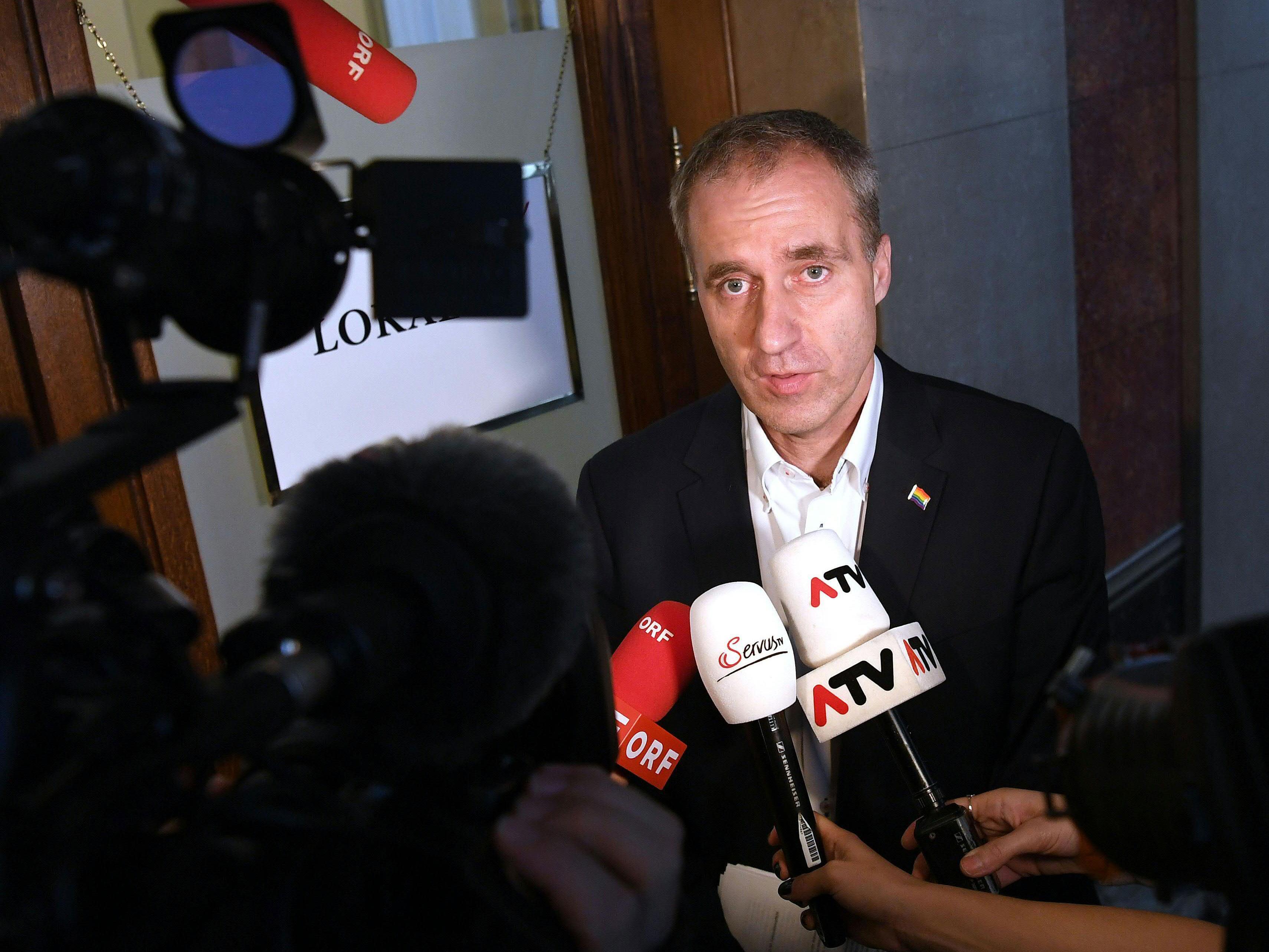 Der Grüne Abgeordnete Dieter Brosz meldete sich in der Causa um das Gewaltvideo zu Wort