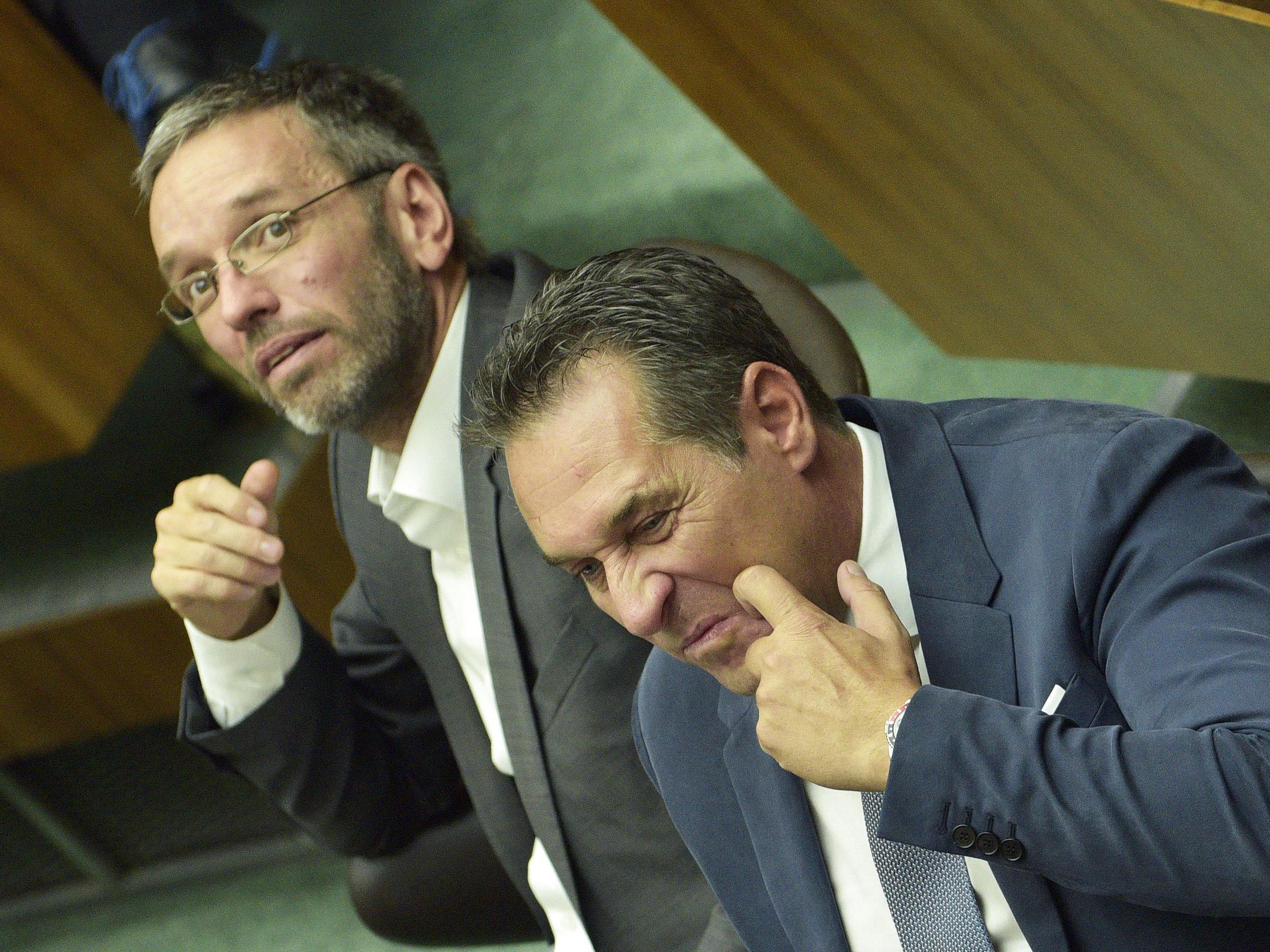 (v.l.), Generalsekretär Herbert Kickl, Bundesparteiobmann Heinz Christian Strache (FPÖ)