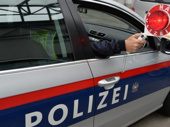Ein 18-Jähriger lieferte sich eine Verfolgungsjagd mit der Polizei