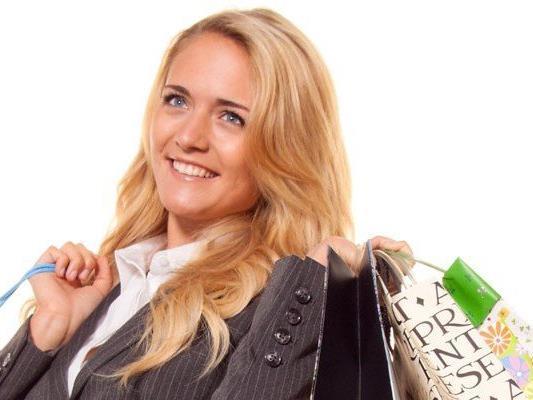 """Zum """"Woman Day Online"""" gibt es Rabatte in Web-Shops."""