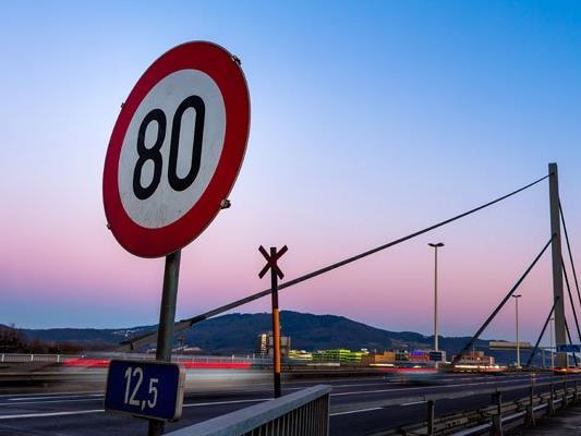 Schon 2010 hat die Gemeinde Wiener Neudorf einen Antrag auf Tempo 80 gestellt.