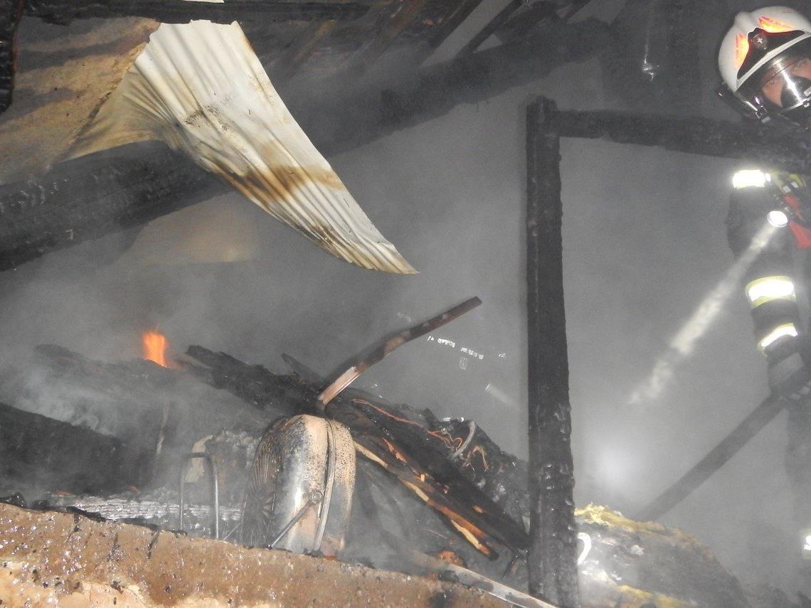 Erschwerte Bedingungen für die Wiener Feuerwehr in Floridsdorf.
