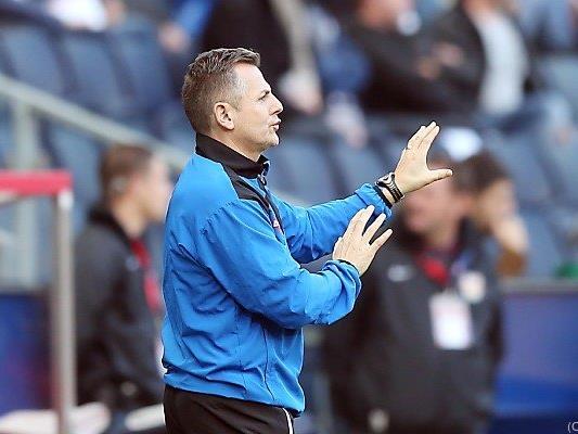 Auch Cheftrainer Jürgen Halper wurde gefeuert.
