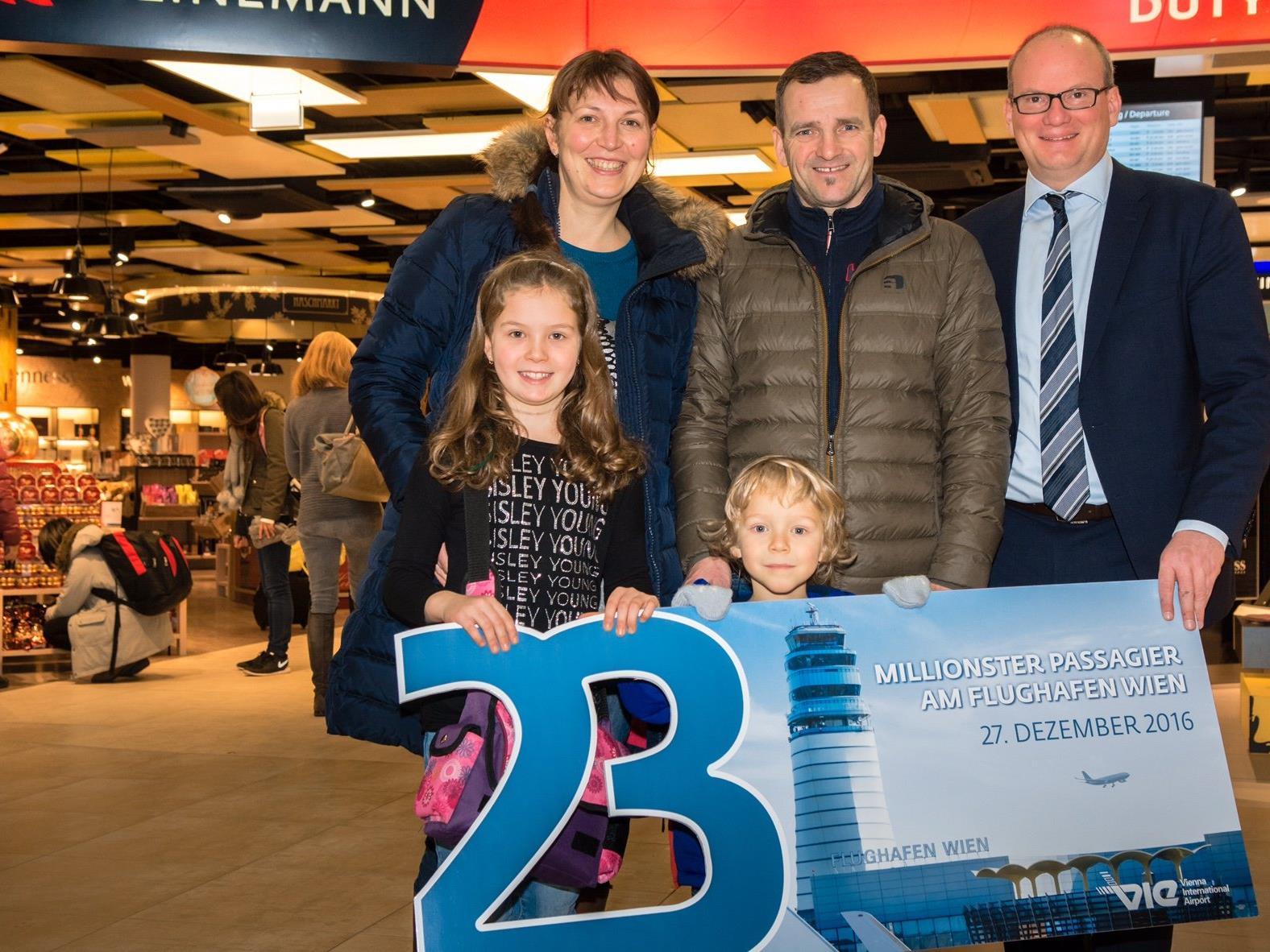 Am Dienstag wurde der 23-millionste Passagier am Wiener Flughafen begrüßt.