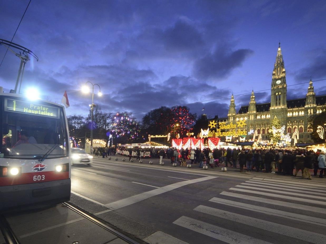 Die Wiener Linien bringen die Fahrgäste durch die Silvesternacht.