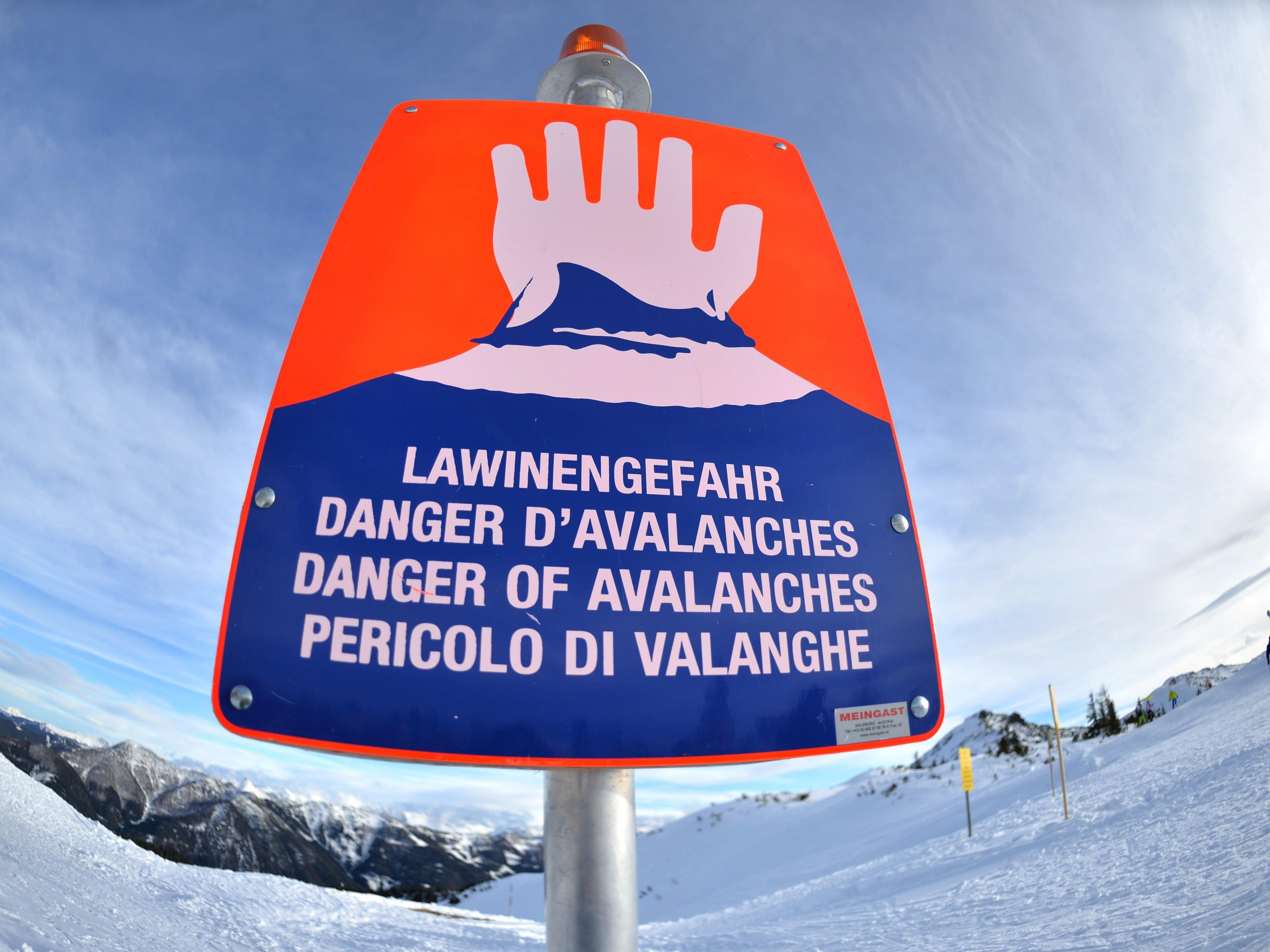 Nach den Neuschneemengen herrscht nun in Teilen Niederösterreichs Lawinengefahr.