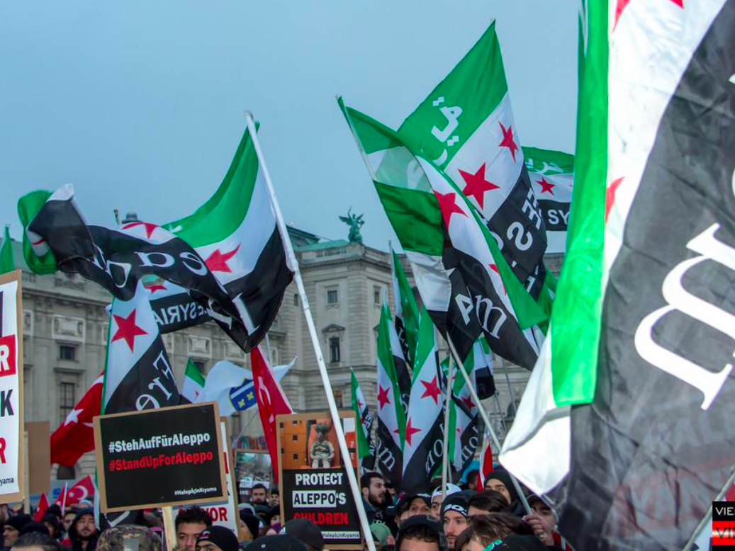 Der der Kundgebung für Aleppo am Wiener Heldenplatz.