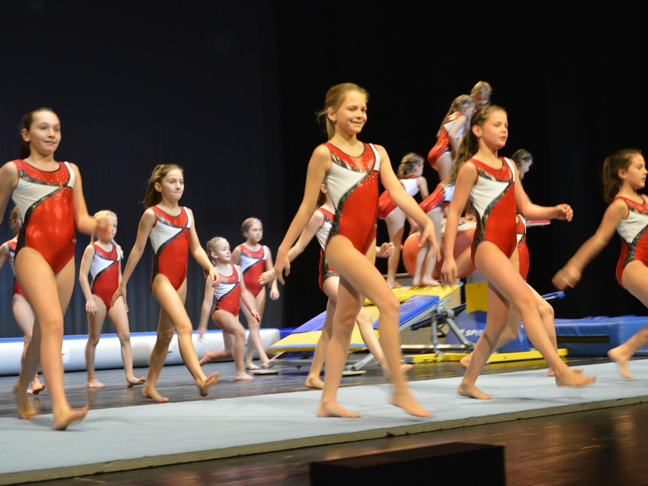 Die Freude am Turnsport und Tanz zeigten große und kleine Sportler bei den Vorführungen im Kulturhaus.