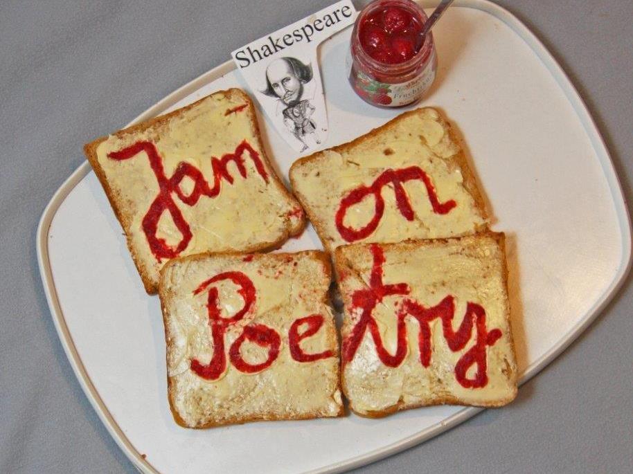 Am Dornbirner Spielboden findet am 17.12.16 im großen Saal ein Jam on Poetry  X - mas Special statt.