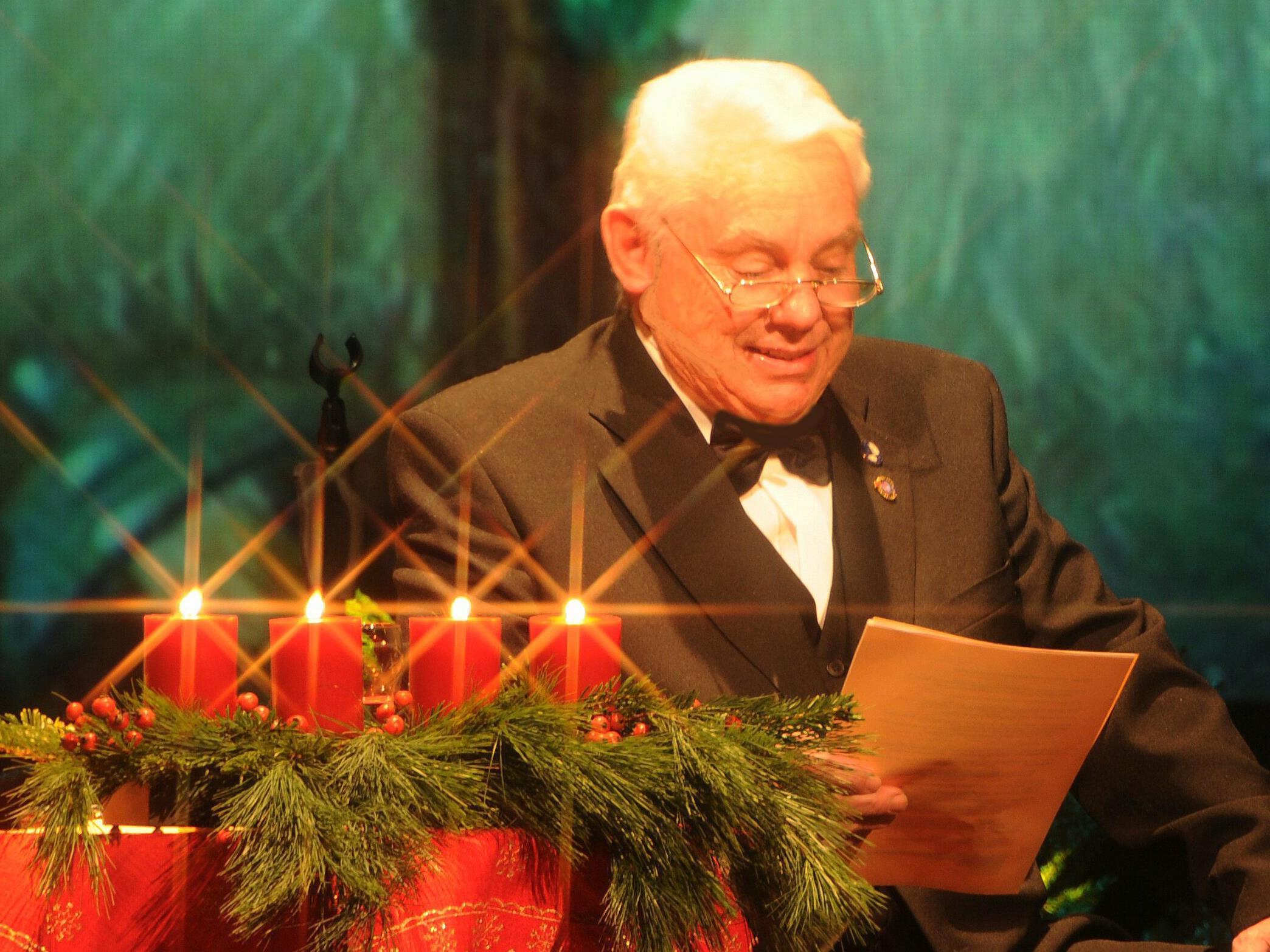 Mit schönen Klängen und besinnlichen Texten stimmt Günther Lutz kommenden Sonntag seine Besucher auf Weihnachten ein.