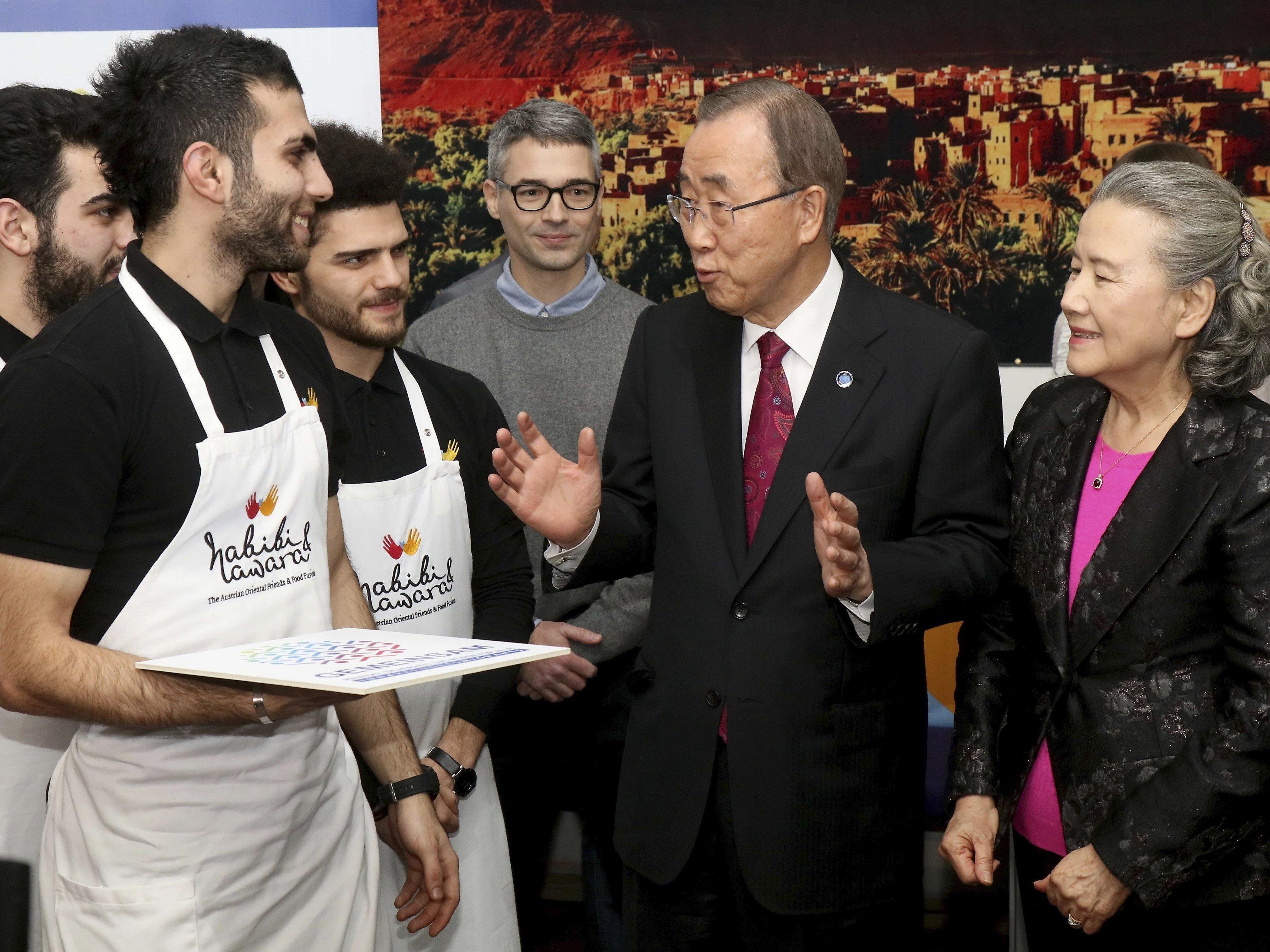 UNO-Generalsekretär Ban Ki-moon besuchte Restaurant Habibi & Hawara in Wien