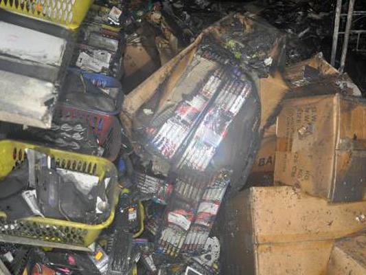 Pyrotechnik in dem vom Feuer betroffenen Keller