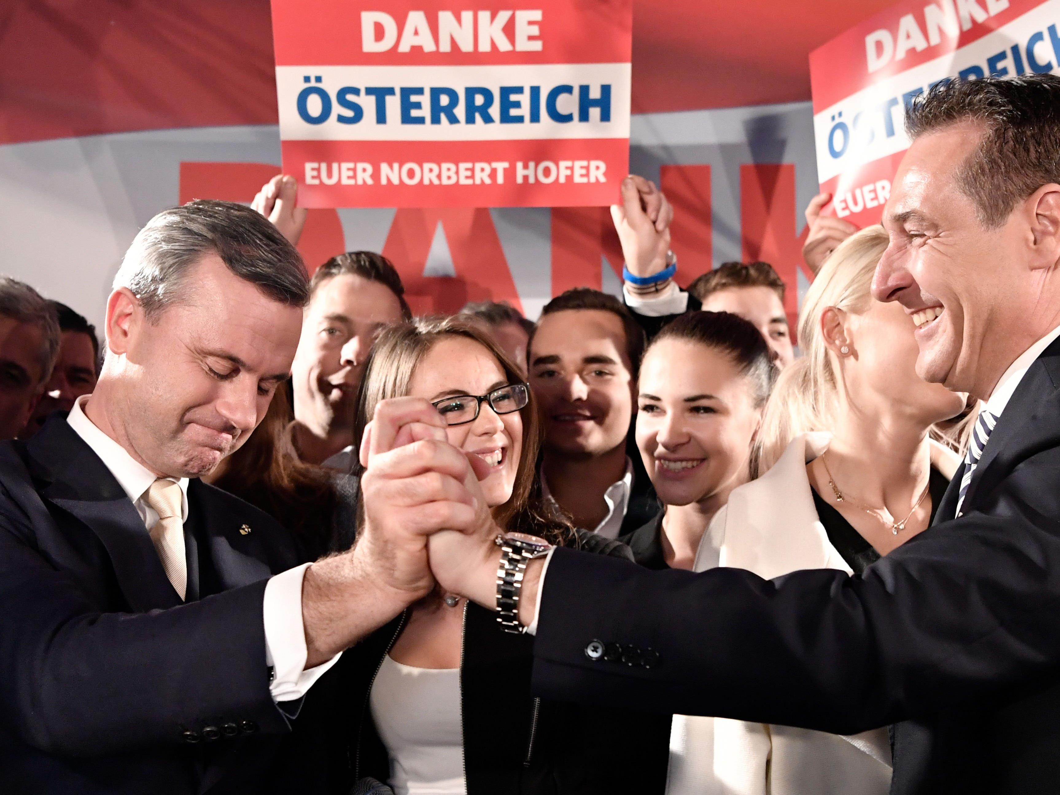 FPÖ-Präsidentschaftskandidat Norbert Hofer (l.) und FPÖ-Chef Heinz Christian Strache (r.)