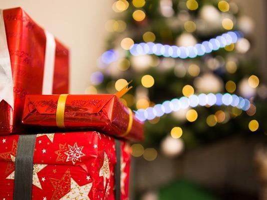 Beim Geschenkekauf sollte man ein paar Tipps beachten.