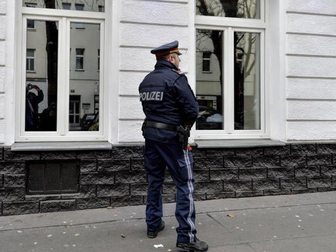 Der Messerstich geschah in einem Lokal in der Quellenstraße.