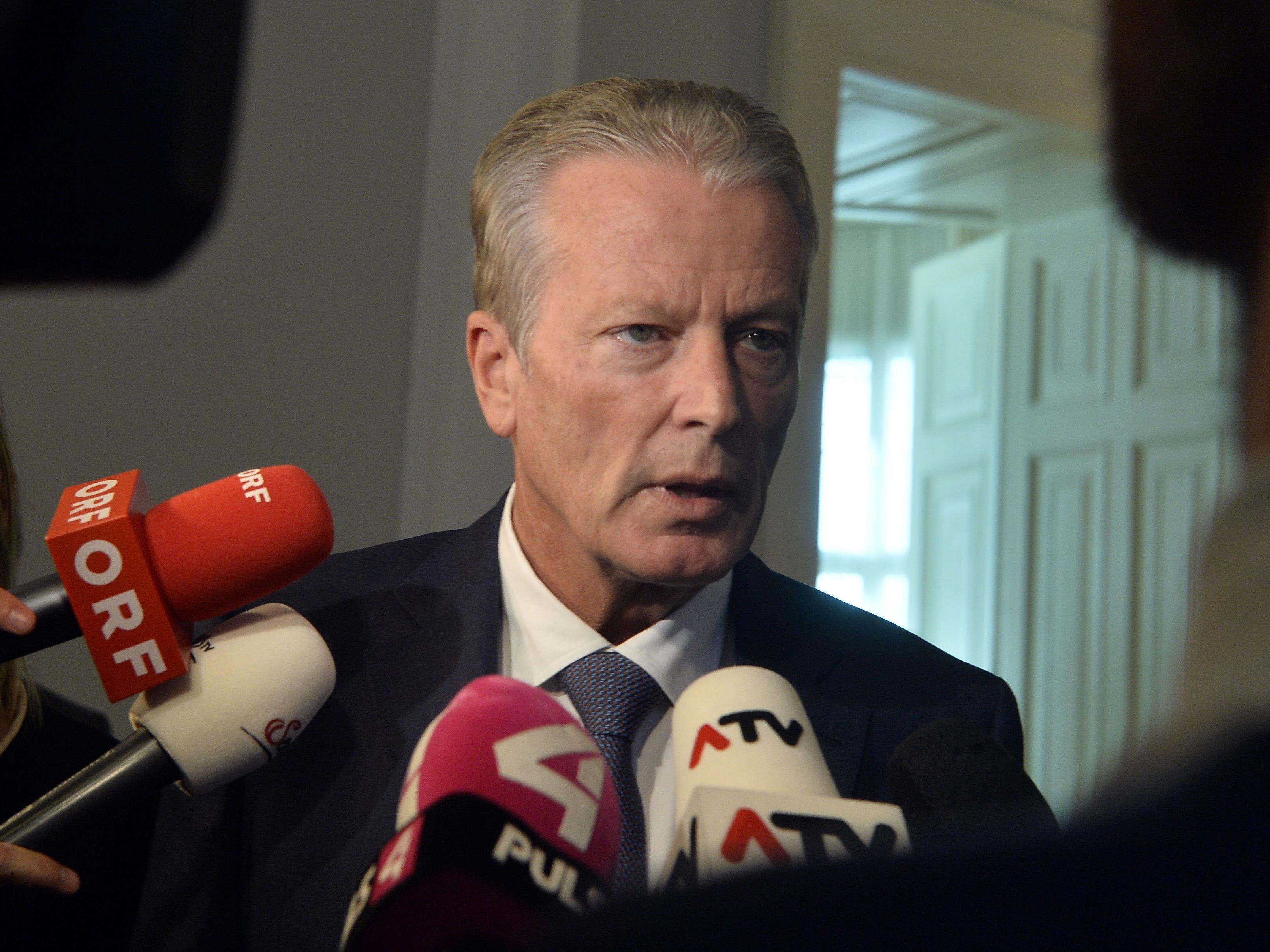 """Mitterlehner: """"FPÖ versucht, Keil in die Partei zu treiben"""""""