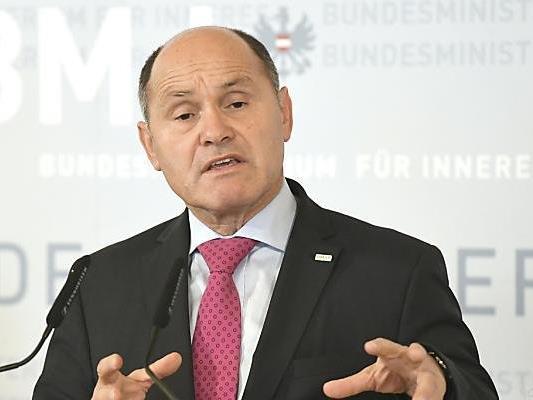 Innenminister Sobotka sieht keine Verbindungen nach Österreich