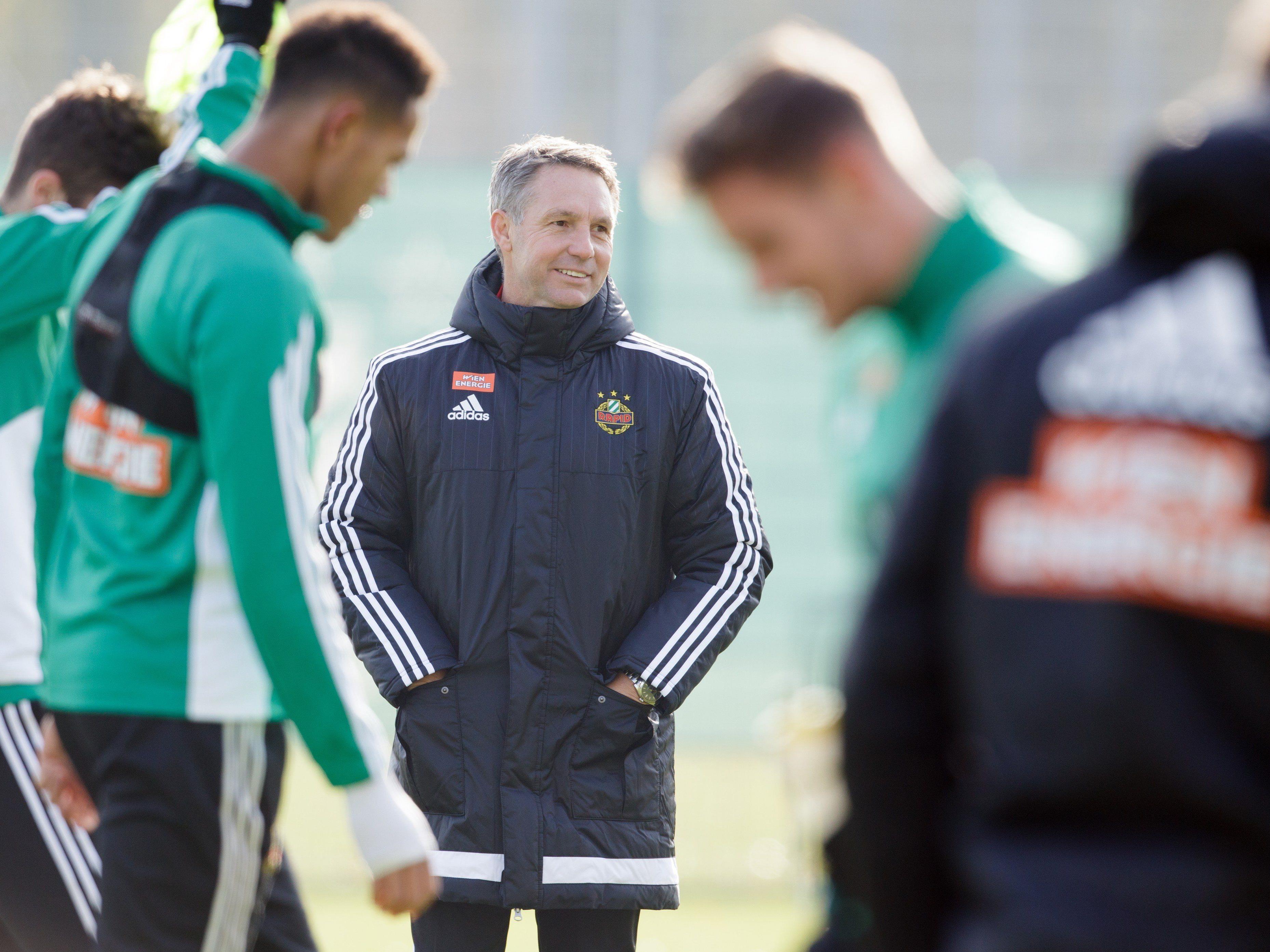 Rapid-Coach Damir Canadi begrüßte Joshua Gatt als Trainingsgast.