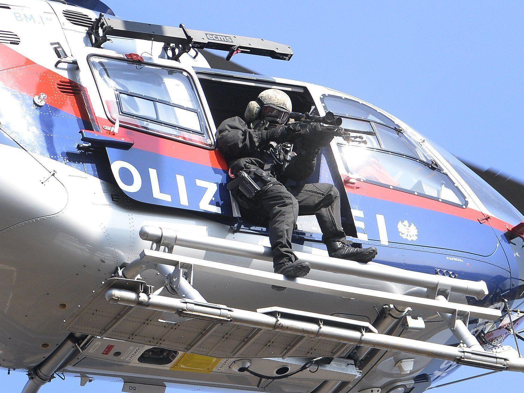 Die Cobra nahm den Terrorverdächtigen in Wien-Favoriten fest.