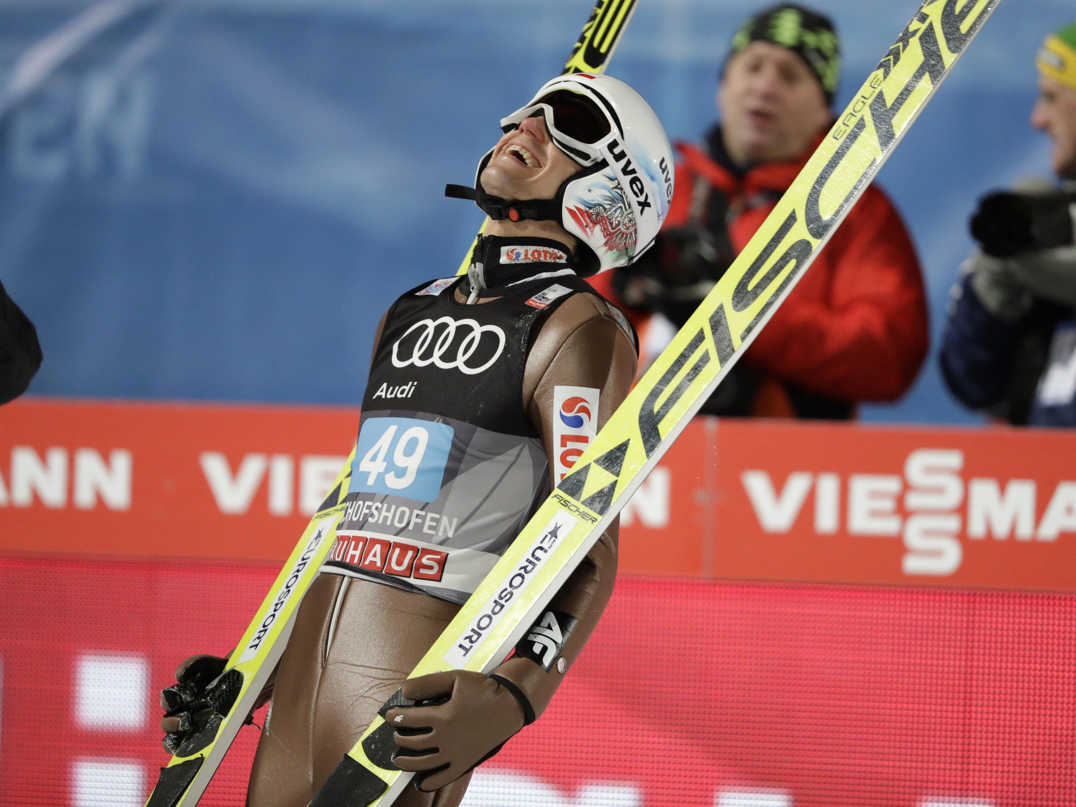 Kamil Stoch krönte sich zum Tournee-Gesamtsieger.