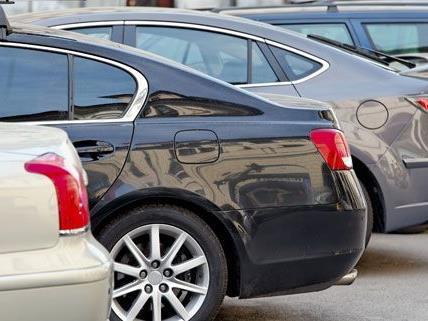In Margareten wurden fünf Fahrzeuge beschädigt
