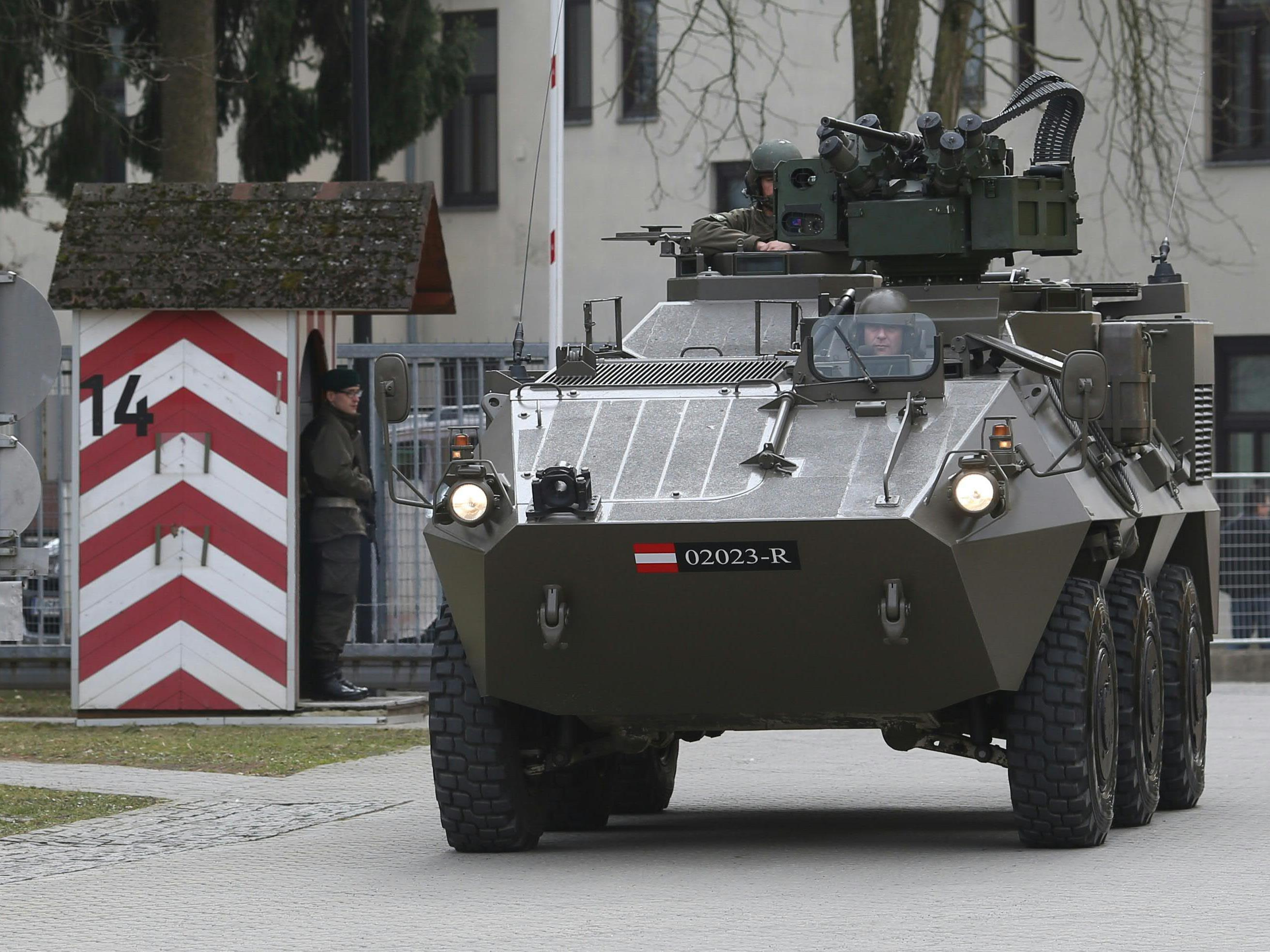 """Auch der """"Pandur""""-Panzer steht auf der Heeres-Einkaufsliste für 2017"""
