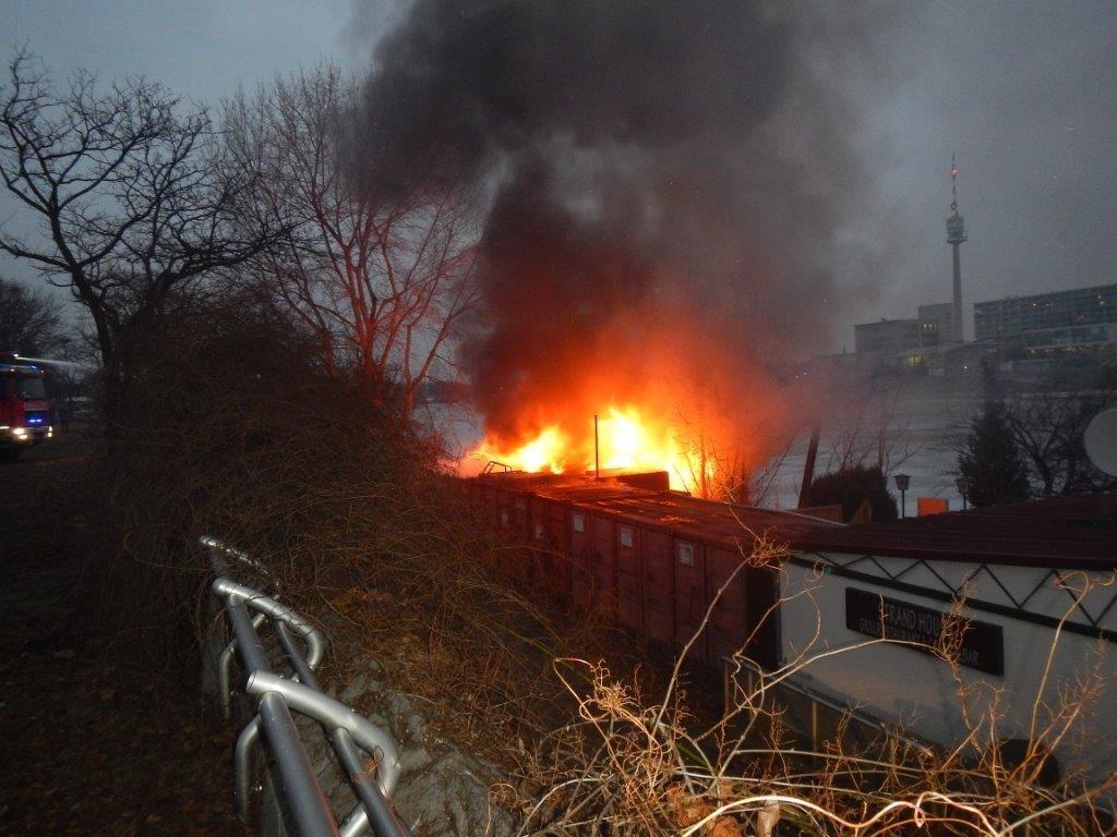 Das brennende Lokal in der Sunken City