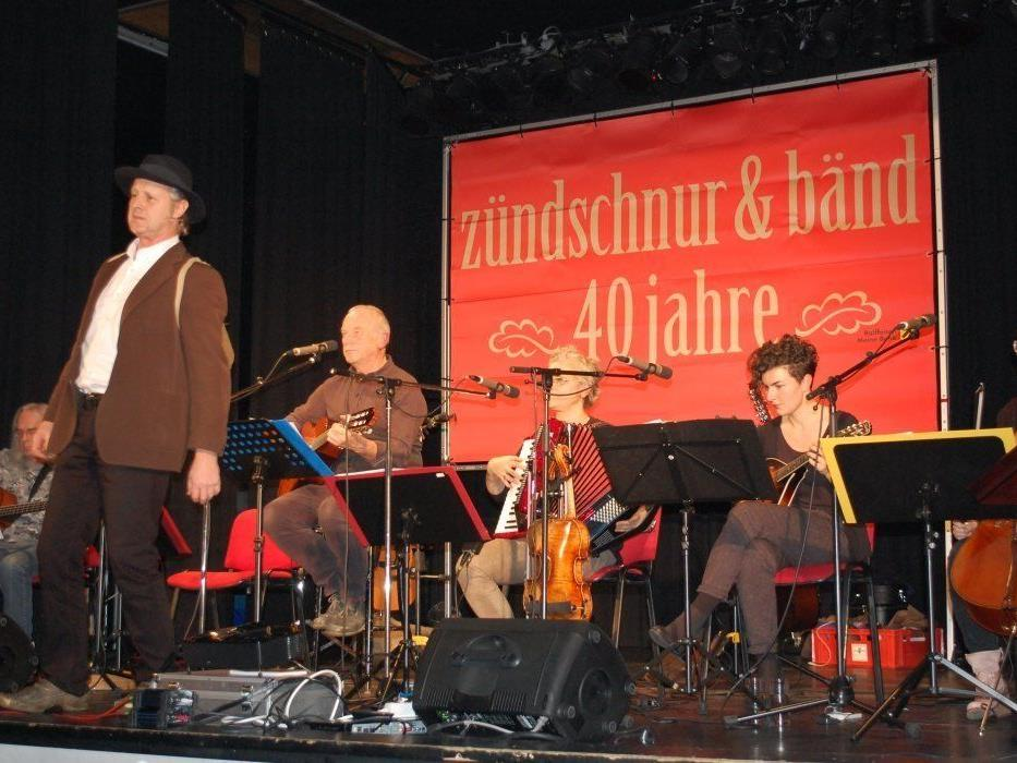 """Die Formation """"Zündschnur und Band"""" sorgte für tolle Stimmung bei ihrem Jubiläumskonzert."""