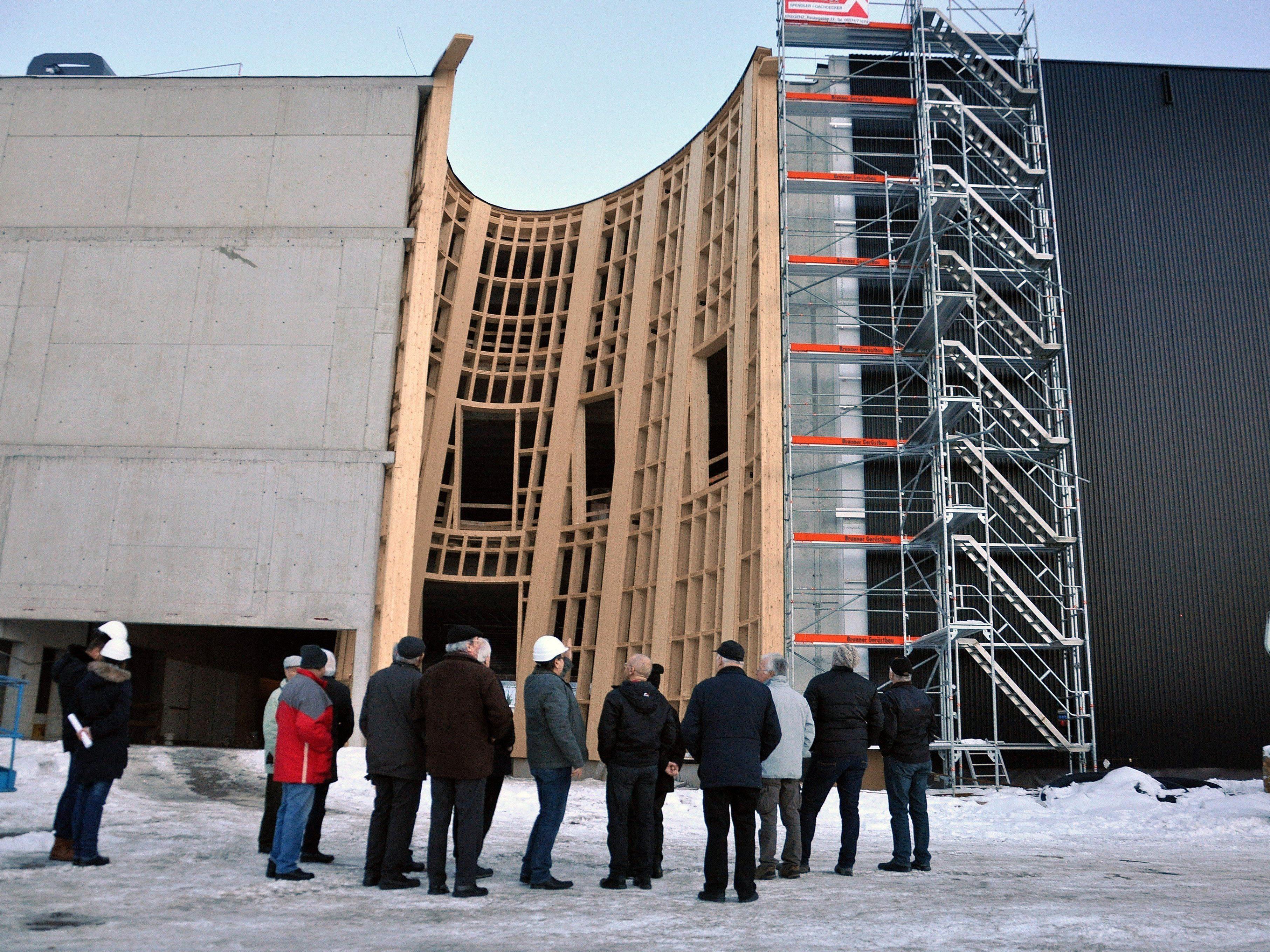 Die Bauarbeiten sind in der Endphase – mit der SCHAU! sollen die neuen Messehallen eröffnet werden.