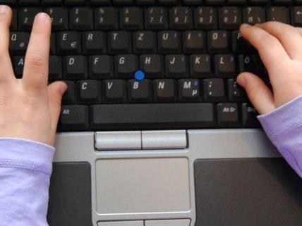 Unterrichtsmaterial und Abgeordneten-Chat sind für Kinder verfügbar