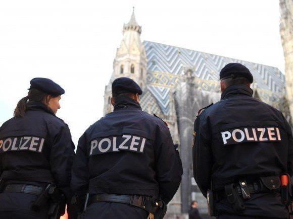 Heimische Spitzenpolitiker loben die Polizeiarbeit angesichts des verhinderten Terroranschlages