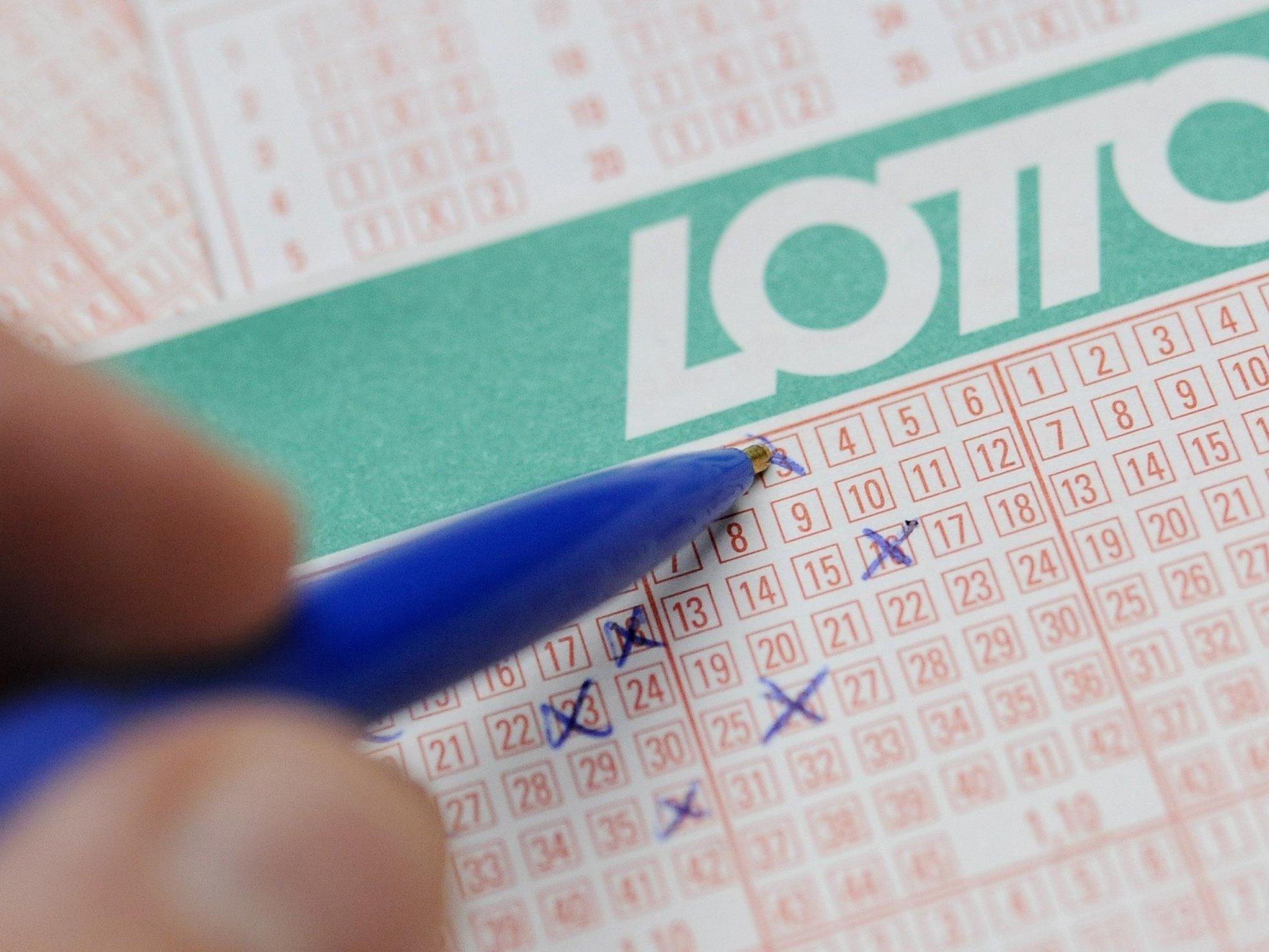 Im Lotto wartet ein Dreifachjackpot.
