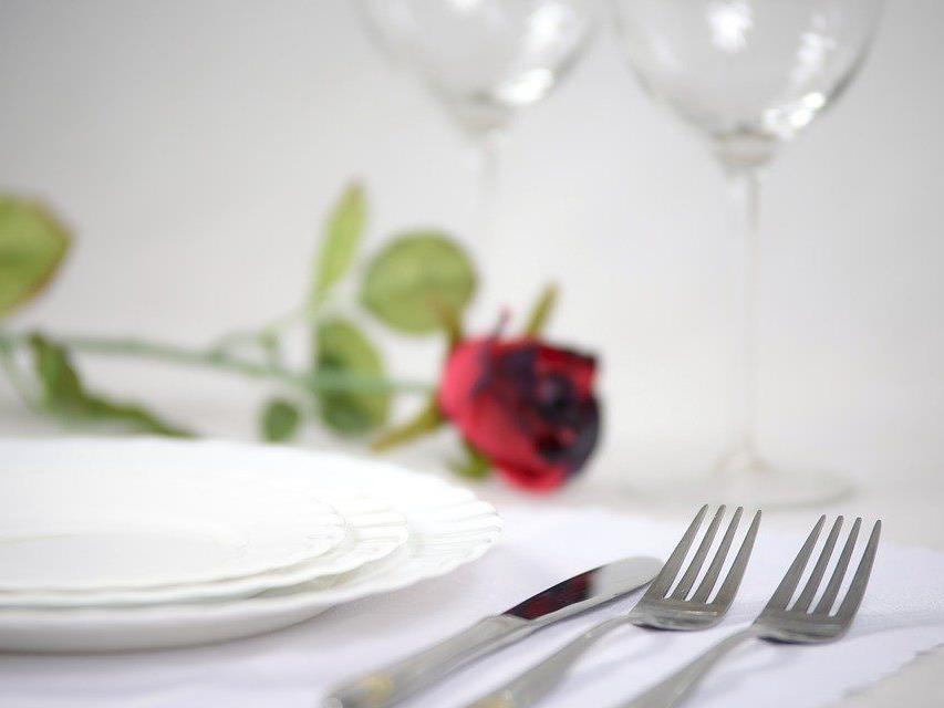 Ideen für einen romantisch-aufregenden Abend zu zweit.